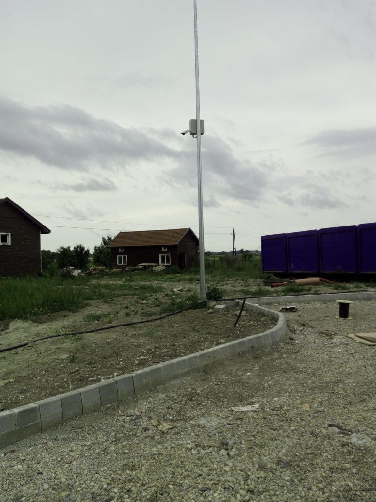 Villanyoszlopra szerelt térfigyelő kamerák